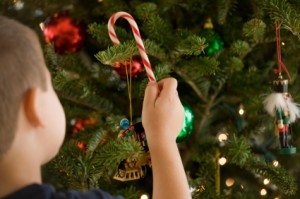 decorating-xmas-tree-candy-canes